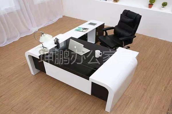 山东优质家具办公桌钱-坤鹏v家具职员的法式特点家具图片