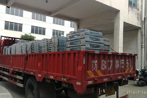 山东省供应金属网格板多少钱-钧东金属制品