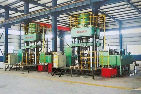 2,单柱液压机液压缸内存在四柱液压机手用工具的选用的空气发生涯塞的
