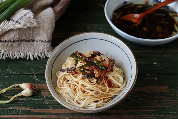 郑州装修风格好的菠菜面品牌-西谷村餐饮