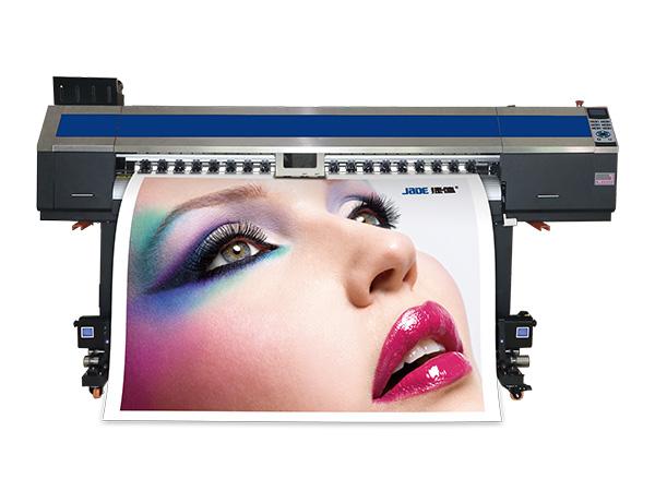 这些广告显示屏都是平板打印机的产儿; 飞扬全自动 写真机初次之外与