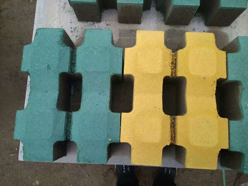 都蘭抗壓力強的井圈井蓋批發-西寧金富星水泥制品