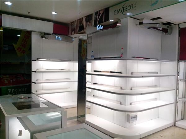 贵州优质服装展柜定做-班小鲁展柜厂家