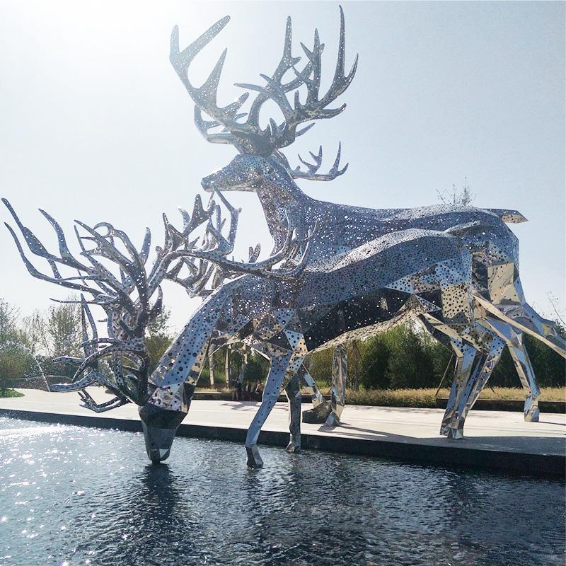 重庆玻璃钢仿铜人物雕塑定制图片