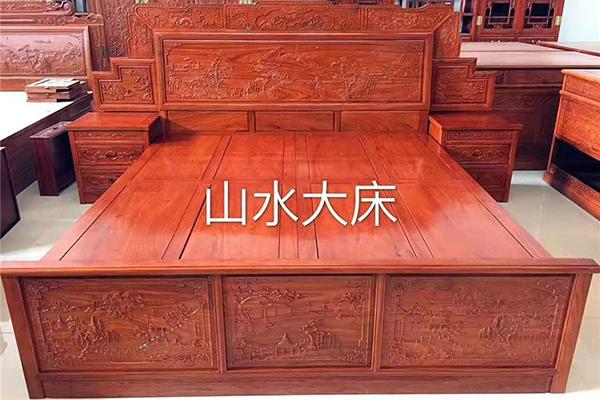 广东缅甸花梨皇宫椅设计